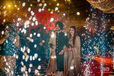 Sikh Wedding, Wedding Pics, Wedding Day, Wedding Things, Wedding Reception Makeup, Bridal Dupatta, Sabyasachi Sarees, Bridal Photoshoot, Wedding Function