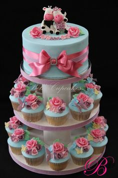 i could imagine my brother suggesting this as my wedding cake (with this topping of course!) - Bella Cupcakes