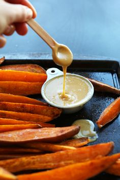 DELICIOUS Savory Sweet Potato Wedges with No Honey Mustard Dipping Sauce! #vegan #glutenfree #minimalistbaker