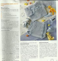 Layette: round yoke sweater with ducks in reverse stockinette, diaper cover and bootees. In Spanish. The sweater part is a bit blurry but fortunately the diaper cover instructions, which I like best, are quite clear. Baby Knitting Patterns, Baby Boy Knitting, Knitting For Kids, Knitting Yarn, Crochet For Boys, Crochet Baby, Tricot Baby, Knit World, Bebe Baby