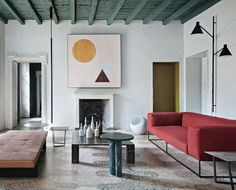 The living room at the Milan apartment of Gabriele Salvatori, CEO of the eponymous design leader Interior Simple, Modern Interior Design, Interior And Exterior, Milan Apartment, Apartment Design, Casa Mix, Old Apartments, Terrazzo Flooring, Modern Floor Lamps