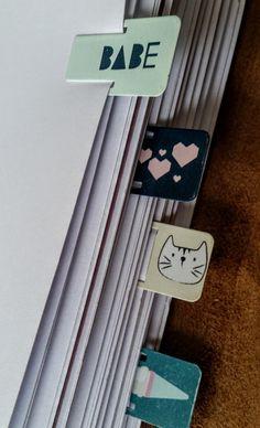 Fichas de índice para revistas y cuadernos, fichas de página, revista índice clips, fichas de índice de registro, fichas de registro, clips de metal índice, marcadores de página de BespokeBindery en Etsy https://www.etsy.com/es/listing/276919168/fichas-de-indice-para-revistas-y