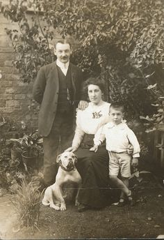 https://flic.kr/p/azJTP7 | Lumsden Family 1911 | Actually from my family tree! Thanks to Bruce and Ancestry.com