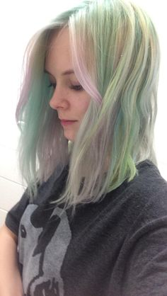 I finally got my turquoise rainbow pastel to work out how I wanted!