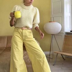 When yellow obviously is your new favorite color 🌼 Miu Miu, Style Streetwear, Pastel Outfit, Monochrome Outfit, Mellow Yellow, Colorful Fashion, I Dress, Cute Outfits, Style Inspiration