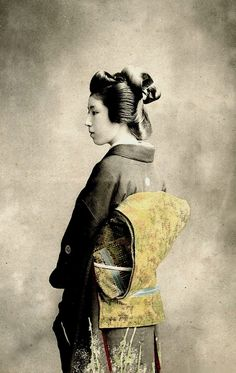 Geisha in Semi-Profile.  Year 1900, Japan.  Image via Blue Ruin 1 on Flickr