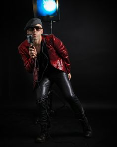 More photos taken by the amazing on. Tight Leather Pants, Music Tv, More Photos, Music Artists, Cool Outfits, Zara, Photoshoot, Actors, Blazer
