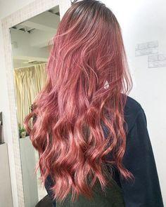 笹尾将登 アンテナスクエア バレイヤージュ/ハイトーンさんはInstagramを利用しています:「serum.pink violet/ombre__ #Bordeaux #sombrehair #sombre #ombre #ombrehair #hairstyle #hair #hairstyles #haircut #highblond #highlight…」 Winter Instagram, Bordeaux, Long Hair Styles, Serum, Beauty, Ants, Bordeaux Wine, Long Hairstyle, Long Haircuts