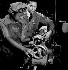 BLACK WOMEN IN AMERICA: BLACK AMERICAN WOMEN IN WORLD WAR II                                                                                                                                                                                 More