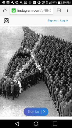 650 Officers & enlisted men paying tribute to horses, mules & donkeys during World War 1.