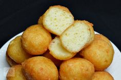 Bulete de cascaval - CAIETUL CU RETETE Finger Food Appetizers, Finger Foods, Appetizer Recipes, Cooking Recipes, Healthy Recipes, Healthy Food, Meal Prep For The Week, Pretzel Bites, Recipies