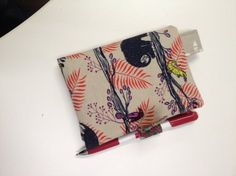 Folded Smart Phone Wallet Tutorial by Linda Purse Patterns, Sewing Patterns, Fun Projects, Sewing Projects, Sewing Hacks, Sewing Tips, Costume Tutorial, Wallet Tutorial, Fabric Boxes
