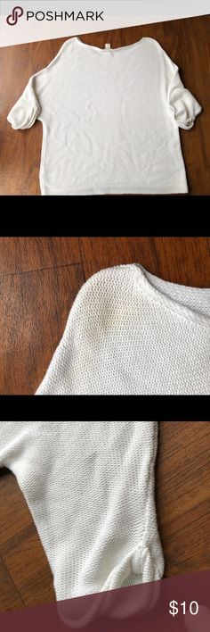 H&M Basic Women's Large Knit white Top GUC Women's white Large h&m Basic knit top. Good used condition  Shows light staining on upper shoulder, no tearing no rips minimal signs of wear/use. H&M Tops