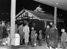 From JSO Photo Gallery:  The Kooky Cooky House returns - This undated photo shows fans lined up to visit the Kooky Cooky House at Capitol Court. - Image credit: Journal Sentinel files
