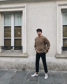 latest mens fashion which looks stunning . 80s Fashion Men, Mens Fashion Sweaters, Stylish Mens Fashion, Tumblr Fashion, Latest Mens Fashion, Sweater Fashion, Fashion Stores, Daily Fashion, Fashion Clothes