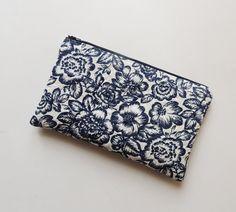 Zipper clutch bag with floral pattern - spring summer clutch bag Etsy https://www.etsy.com/listing/270902557/floral-clutch-bag-zipper-clutch-bag-blue