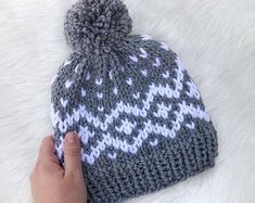 RTS Women's Gray and White Nordic Chunky Knit Beanie w/ Pom Pom, Scandinavian Style Knitted Hat, Neu Knitted Hats Kids, Baby Hats Knitting, Loom Knitting, Knitting Stitches, Hand Knitting, Crochet Beanie Pattern, Crochet Patterns Amigurumi, Crochet Baby, Knit Crochet