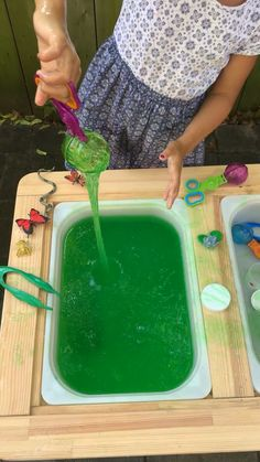 Create a super fun and bug slime sensory bin using only one ingredient Green Slime Baff! It's a super easy way to make slime with your little one. videos One-Step Slime Sensory Bin Toddler Learning Activities, Play Based Learning, Sensory Activities, Infant Activities, Early Childhood Activities, Diy Sensory Board, Sensory Boxes, Sensory Table, Slime