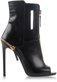 Shop Women's Gianmarco Lorenzi Boots on Lyst. Track over 160 Gianmarco Lorenzi Boots for stock and sale updates. Sexy Boots, Black Ankle Boots, Black Booties, Ankle Booties, Cute Shoes, Me Too Shoes, Open Boot, Talons Sexy, Tokyo Street Fashion