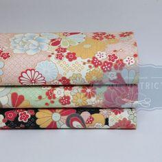Tissus Japonais fleuris traditionnels.