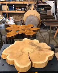 Faça lindas mesas resinadas passo a passo #mesasresinadas#mesasresinadasmadeira#mesaresinaepoxi#mesasresinadaspassoapasso#mesasresinaepoxiideas#mesasresinadasvideo#mesasresinaymadera #façavocemesmo #diy #mesaderesina.#rivertable #epoxyresin#resintable #artesanato#rendaextra#artesanatofacil Diy Resin Projects, Resin Crafts, Resin Art, Wood Crafts, Wood Projects, Woodworking Projects, Diy Resin Wood Table, Resin And Wood Diy, Epoxy Resin Table