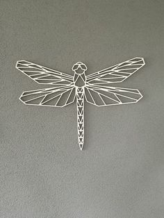 Discover recipes, home ideas, style inspiration and other ideas to try. Geometric Drawing, Geometric Lines, Metal Clock, Metal Wall Art, Metal Animal, Cristal Art, Stylo 3d, Roman Clock, Dragonfly Tattoo