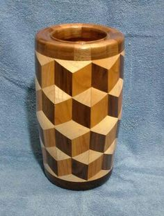 Segmented vase made of Walnut, Cherry, Maple