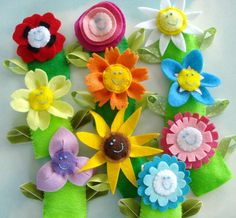 Flower Felt Finger Puppets & Hair Accessories Sewing Pattern via Etsy. Felt Puppets, Felt Finger Puppets, Hand Puppets, Puppet Patterns, Sewing Patterns Free, Felt Patterns, Felt Flowers, Fabric Flowers, Sewing Crafts