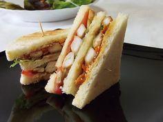 #Streetfood lovers? Provate questa #ricetta esotica: #sandwich al #pollo #teriyaki con julienne di #carote e #daikon -> http://www.saporie.com/it/doc-s-149-21271-1-sandwich_al_pollo_teriyaki_con_julienne_di_carote_e_daikon.aspx #recipe #food