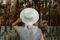 Women summer hats. Natural straw summer hat. Natural straw canoe. Beach hat. Hat from the sun Photo Buttons, Raffia Hat, Summer Hats For Women, Wide Trousers, Scrub Hats, Fall Wardrobe, Hat Sizes, Beautiful Bags, Crochet Hats