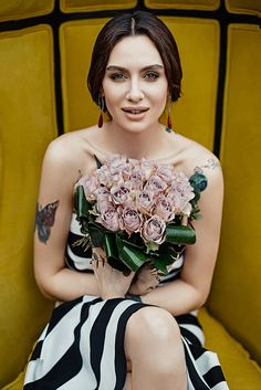 Celebrities - Birce Akalay Photos collection You can visit our site to see other photos. Turkish Beauty, Turkish Actors, Beautiful People, Strapless Dress, Feminine, Actresses, Celebrities, Pretty, Collection