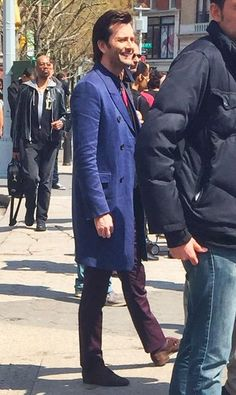 David Tennant filming AKA Jessica Jones in New York City Union Square. David Tennant, Tenth Doctor, Doctor Who, Tom Hiddleston, Jessica Jones Marvel, Broadchurch, Luke Cage, British Actors, Actors & Actresses