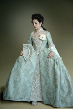 18th century dress, beautiful!