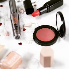 Writing up my spring makeup post for the blog and I have completely fallen in love with @bobbibrownuk Pot Rouge again  #bbloggers #makeupflatlay #makeupcollection #bblogger #makeupblogger #makeuptalk #makeuplook #beautyblogger #instabeauty #makeupaddict #makeuplover #instamakeup #iheartmakeup #bobbibrown #igbeauty #wakeupandmakeup #makeupdolls #makeuphaul #beautyjunkie #makeuplove #beautyblog #flatlay #flatlayaddict