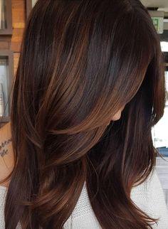 Copper Highlights For Dark Hair hair ideas 60 Hairstyles Featuring Dark Brown Hair with Highlights Dark Hair With Highlights, Hair Color Dark, Cool Hair Color, Partial Highlights, Brunette Highlights, Bayalage Brunette, Carmel Highlights, Chocolate Hair With Caramel Highlights, Blonde Hair