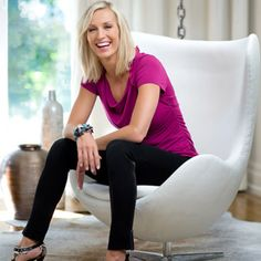 Candice Olson is a Canadian interior designer. She is the host of the Toronto-based home-makeover shows Divine Design and Candice Tells All. Interior Paint Colors, Paint Colors For Home, Paint Colours, Wall Colors, House Colors, Candice Olson, Benjamin Moore Paint, Favorite Paint Colors, House Painting