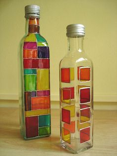 Glass Painting - Vitral - Quilling Deco Home Trends Painted Glass Bottles, Glass Bottle Crafts, Wine Bottle Art, Decorated Bottles, Glass Painting Designs, Stained Glass Paint, Bottle Painting, Glass Art, Decoration