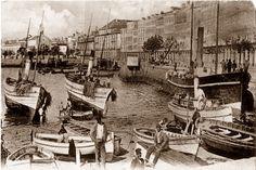 'A Coruña (oficjalna nazwa w języku galicyjskim), La Coruña (nazwa  w języku hiszpańskim, obowiązująca wcześniej) – miasto w północno-zachodniej Hiszpanii (Galicja), nad Oceanem Atlantyckim; ośrodek administracyjny prowincji A Coruña.'