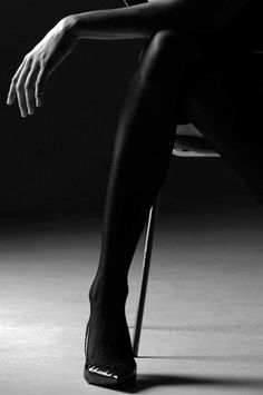 """""""""""Darkness is beautiful"""""""" Leg Work, Ansel Adams, Nice Legs, Photo Quotes, Black N White, Sexy Legs, Cool Girl, Personal Style, Elegant"""