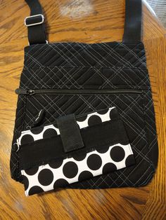 Organizing Shoulder Bag and Retro Metro Wallet.  Nice combination!  www.mythirtyone.com/christylucas Facebook:  ChristyLucas75