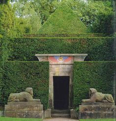 Sphinxes guard the entrance to the tunnel where a statue of the baboon-headed Thoth resides, with a yew-tree pyramid as their backdrop in the Biddulph Grange gardens, Staffordshire, England, UK. English Garden Design, Small Garden Design, Big Garden, Portal, Formal Gardens, Outdoor Gardens, Landscape Architecture, Landscape Design, Biddulph Grange Gardens
