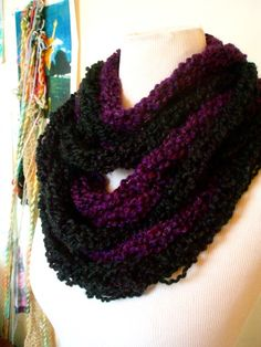 How to: Finger knit scarves