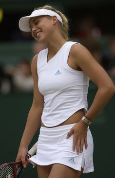 Tennis Skirts, Tennis Dress, Tennis Clothes, Wimbledon Dress Code, Wimbledon Tennis, Enrique Iglesias, Court Outfit, Looks Academia, Venus And Serena Williams