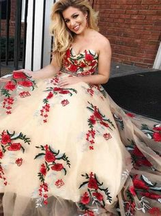 Prom Dresses Beautiful, Princess Straps Champagne Tulle Long Prom Dress with Floral Embroidery, Looking for the perfect prom dress to shine on your big night? Prom Dresses 2020 collection offers a variety of stunning, stylish ball. Pageant Dresses For Teens, Princess Prom Dresses, Prom Dresses 2018, Quinceanera Dresses, Dresses Uk, Glamour Dresses, Quince Dresses, Prom Gowns, Party Dresses