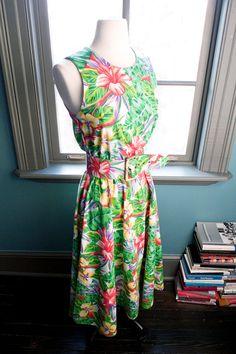 Deep blue sea... Vintage TROPICAL floral JUNGLE print summer DRESS