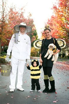 Cute family Halloween costume idea.  Mageau You and Jason still have your bee costumes? :)