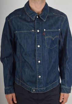 Levi's Engineered Denim Jacket Size M Levis Jacket, Denim Jacket Men, Denim Shirt, Denim Jeans, Denim Jackets, Fashion Wear, Denim Fashion, Men's Triathlon, Mens Attire