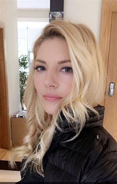 Katheryn Winnick Net Worth - Celebrity