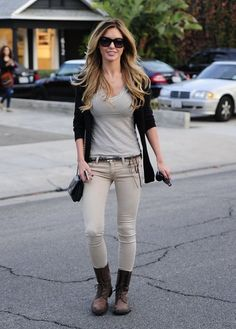 Reality star Audrina Patridge is all smiles while leaving the Andy LeCompte Salon in West Hollywood, California on November 7, 2013.
