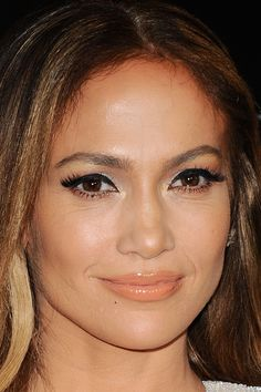 The People Magazine Awards at The Beverly Hilton Hotel in Beverly Hills, California on December 18, 2014. #JenniferLopez #JLo #makeup #beauty #face #celeb